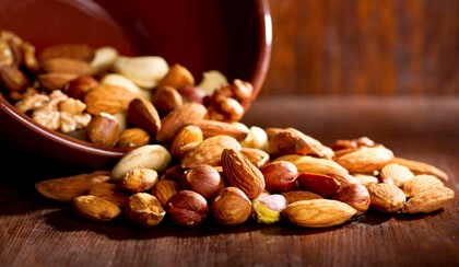 "Type 2 Diabetes Patients May Benefit from ""Going Nuts"""