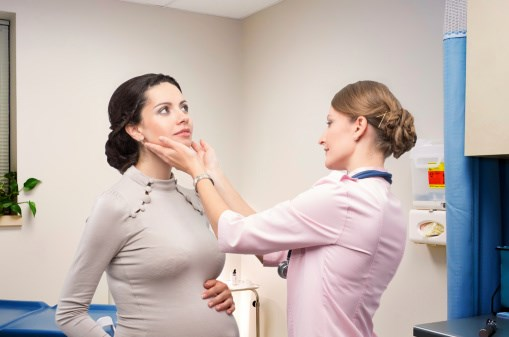 Endo Society Supports Thyroid Screening for Some Women