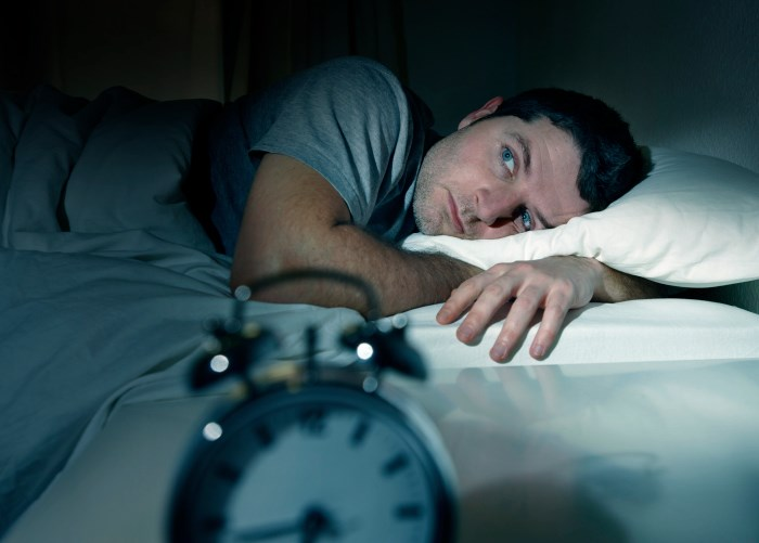Less Sleep May Up Risk of Catching a Cold
