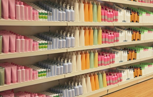 Personal Care Products Linked to Earlier Menopause