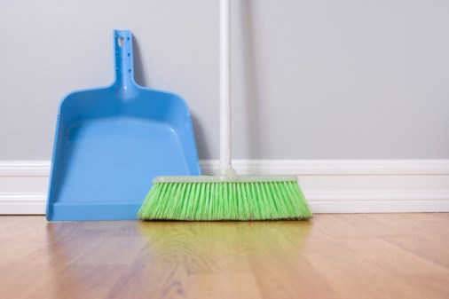 Why a Clean House May Not Lower Asthma, Allergy Risk