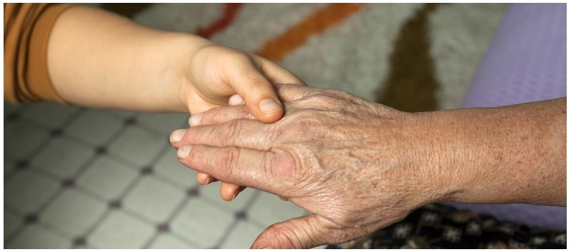 Over a Quarter of Americans Use 'Laying on of Hands' Prayer for Healing
