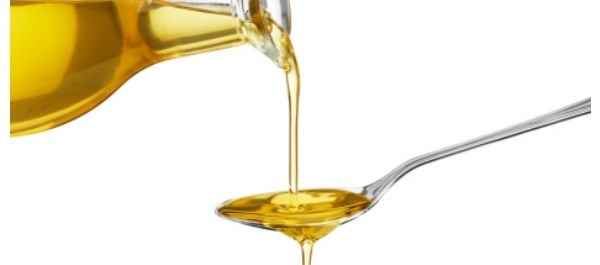 Olive oil and nut diet groups had lower increase in waist circumference than low-fat diet group