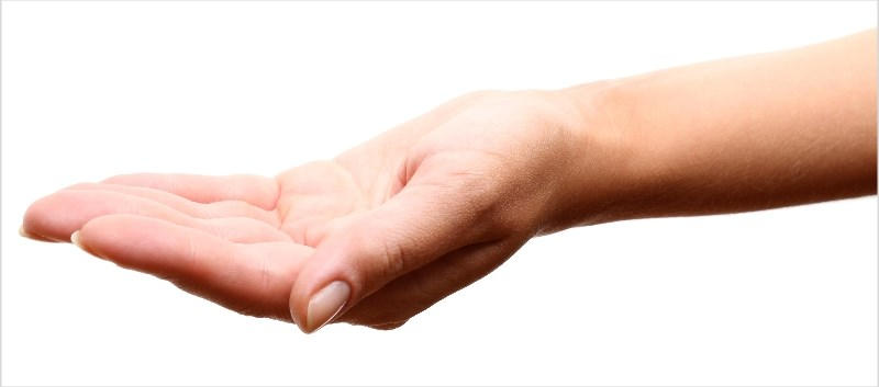 Patient developed subacute bilateral hand pain and swelling one year after transplantation