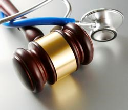 Nephrologist Serves as Expert Witness Against Urologist