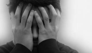 The risk of developing a newly diagnosed depressive disorder persisted for more than 5 years following the AS diagnosis