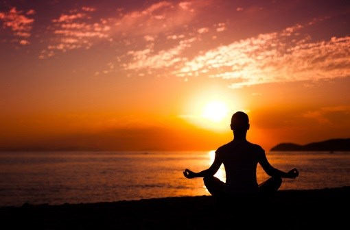 Mindfulness Meditation Beats Placebo in Pain Study
