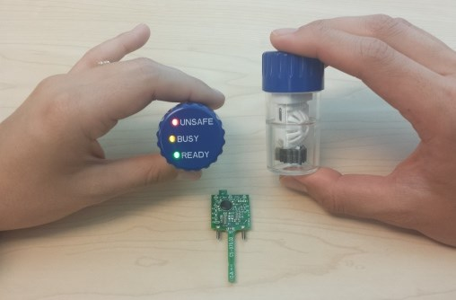 High-Tech Lens Case Alerts When Safe to Wear Contact Lens Post-Disinfecting
