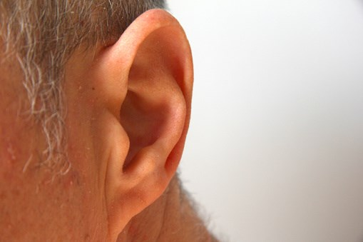 Placebo group had significant hearing loss at one month at both 2,000 HZ and 8,000 HZ