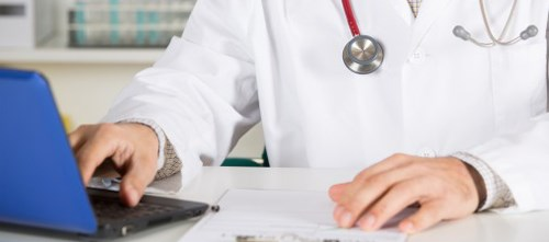 Online Reviews Pose Pitfalls to Doctors in Possible HIPAA Violations