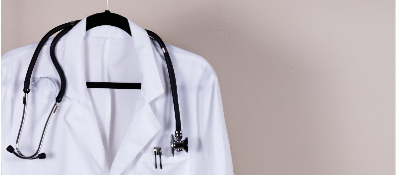 Most patients prefer that physicians wear white coats