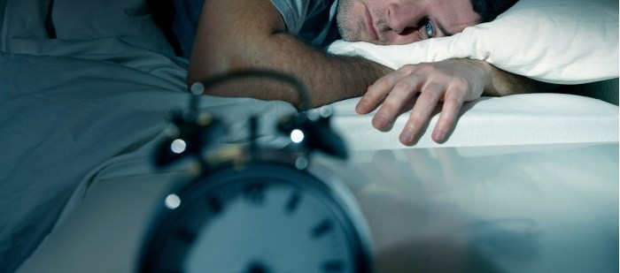 Wearing Amber Lenses Before Bed May Benefit Patients With Insomnia