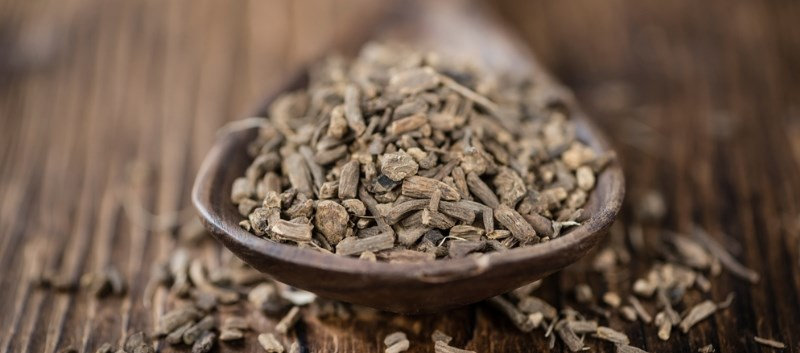 The patient's symptoms started after consuming a large amount of an herbal remedy containing valerian root