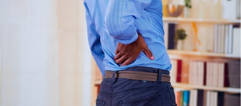 Short-Term PNS May Cut Low Back Pain, Analgesic Use