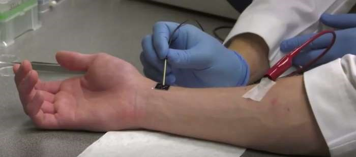 'Groundbreaking' Technology Heals Serious Injuries with a Single Touch