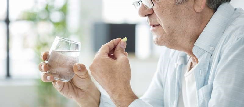 Drug-Induced Dry Mouth Common Among Seniors Taking Certain Meds