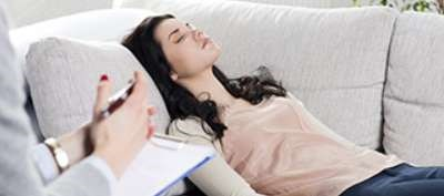 Group, individual hypnotherapy both effective; group hypnotherapy noninferior to individual Tx.